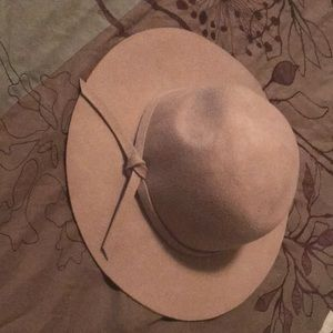Charlotte Russe floppy hat